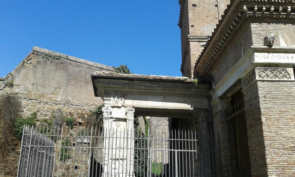 ARCO-DEGLI-ARGENTARI