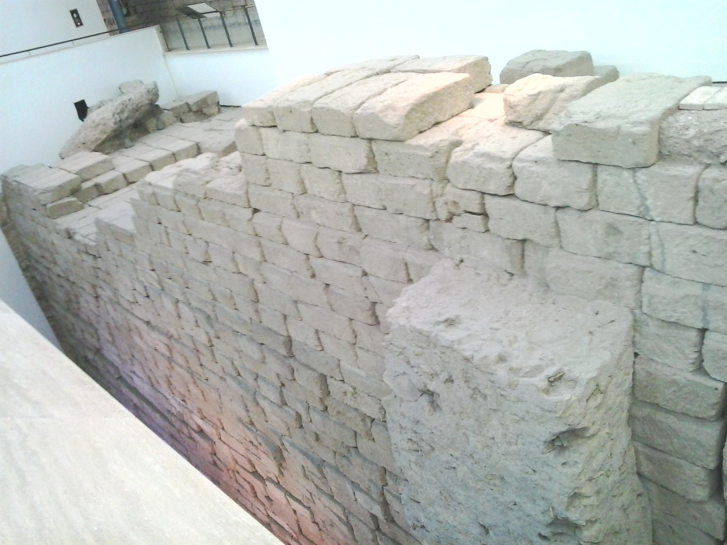 WALLS-OF-THE-TEMPLE-OF-JUPITER
